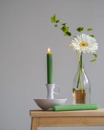Vaaleanvihreä-mehiläisvahakynttilä-BeeClever